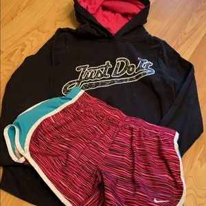Other - Girls Nike hoodie and shorts set size medium